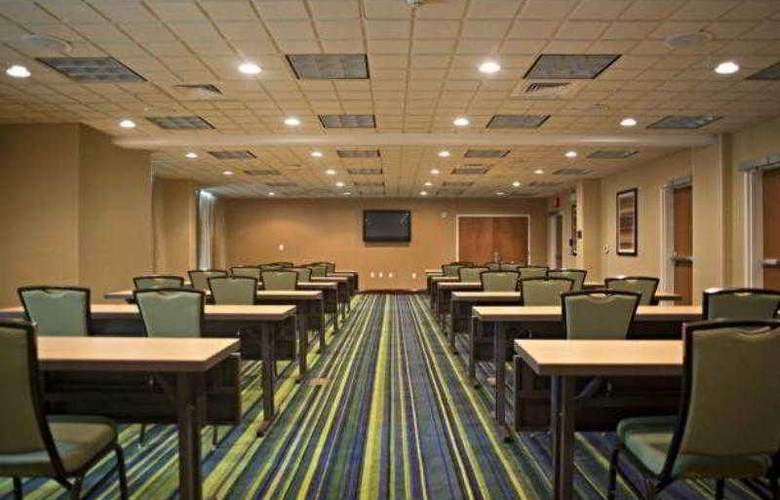Fairfield Inn & Suites Valdosta - Hotel - 8