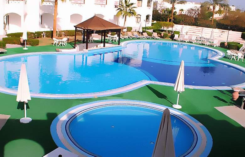 UniSharm Hotel (Karma) - Pool - 2