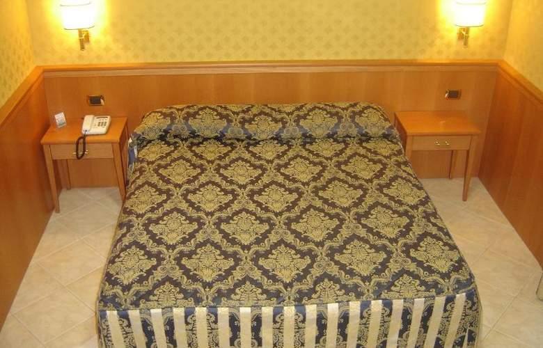 Mariano - Room - 9