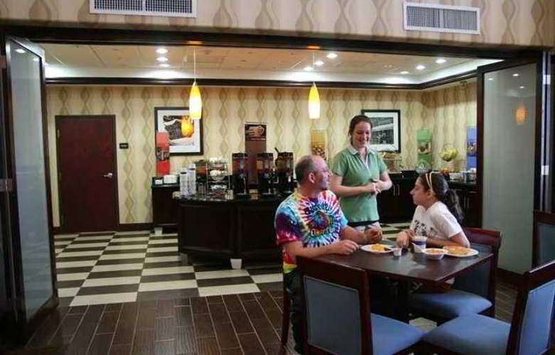 Hampton Inn & Suites Brenham - Hotel - 6