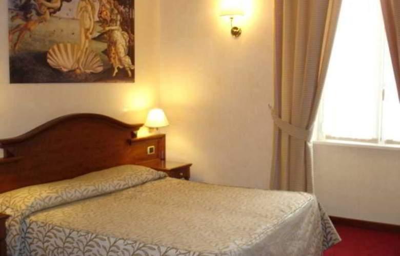 Solis - Room - 4
