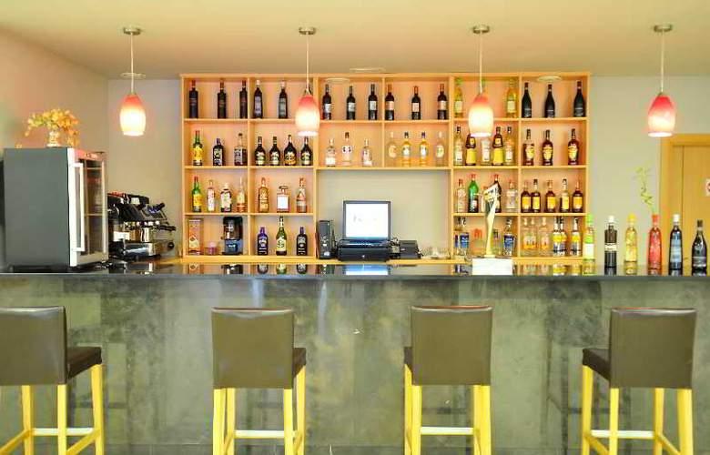 Del Vino - Bar - 4