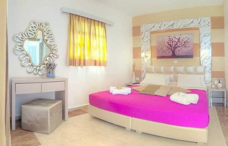 Pyrgos Beach Apartments - Hotel - 0