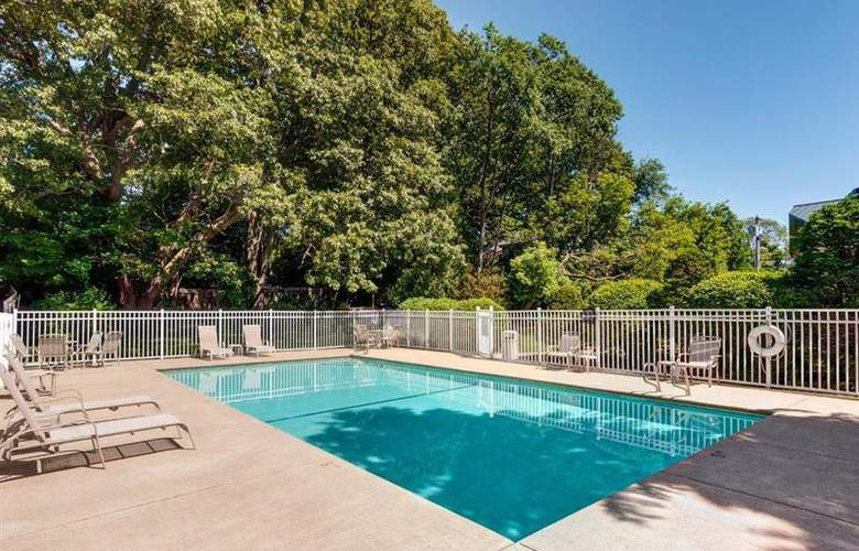 Best Western Wynwood Hotel & Suites - Pool - 98