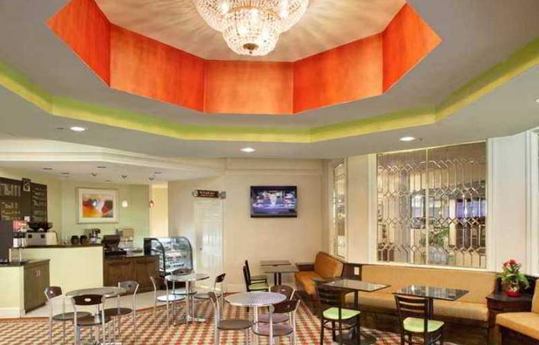 DoubleTree by Hilton Hotel Fayetteville - Hotel - 5