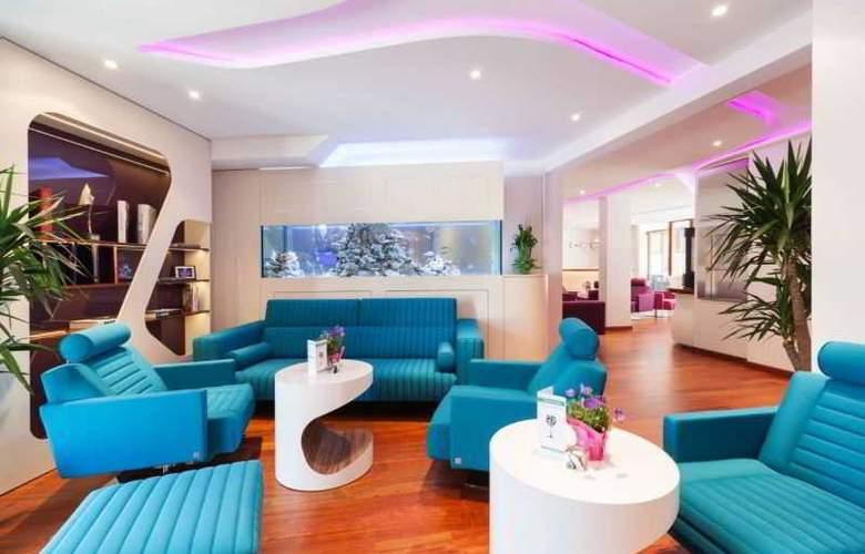 Metropolis Design Hotel - General - 1