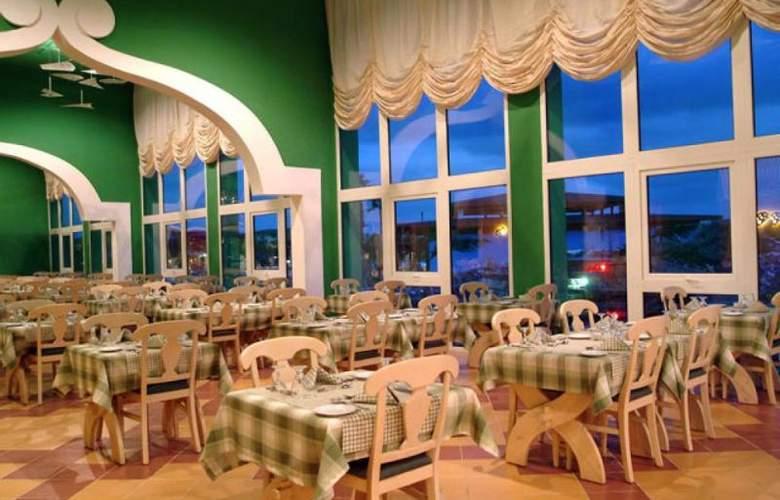 Bella Isla Resort - Restaurant - 14