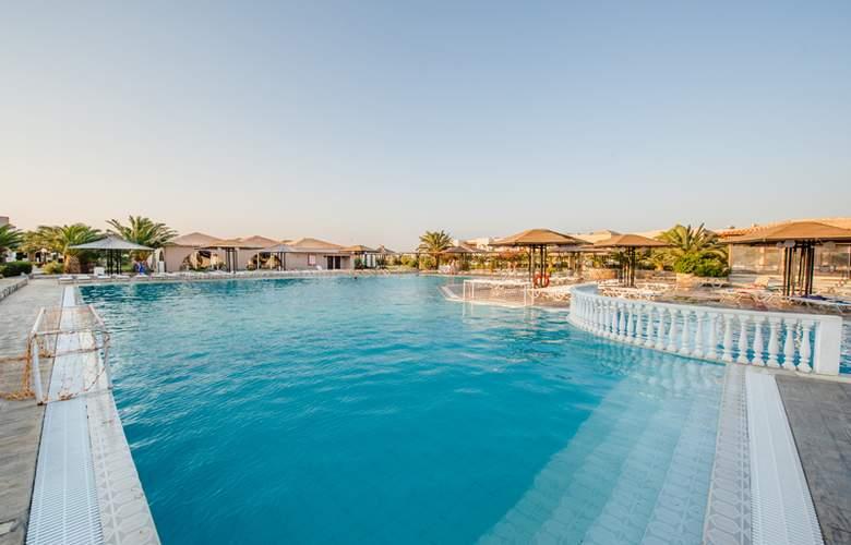 Akti Beach Club - Pool - 11