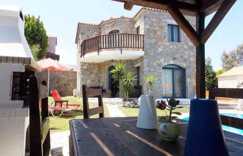 Niriides Villas - Terrace - 11