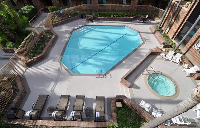 Best Western Meridian Inn & Suites, Anaheim-Orange - Pool - 34