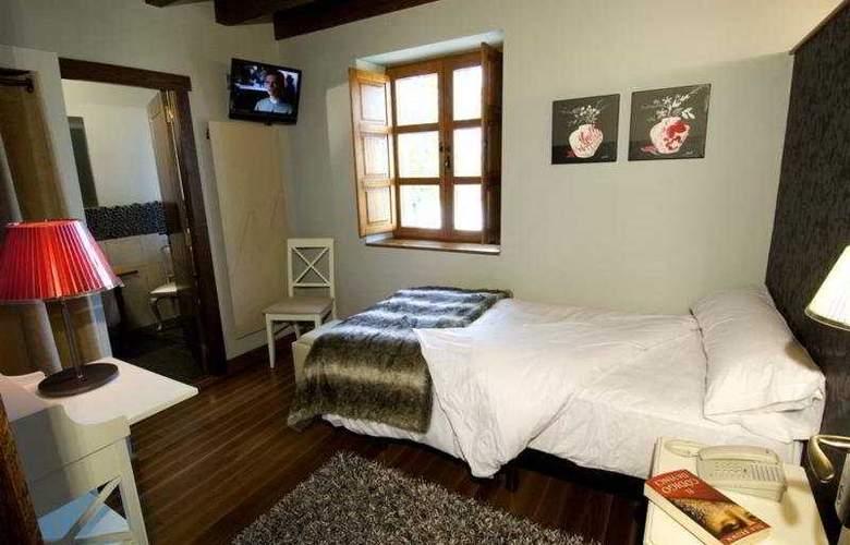 El Coto - Room - 5
