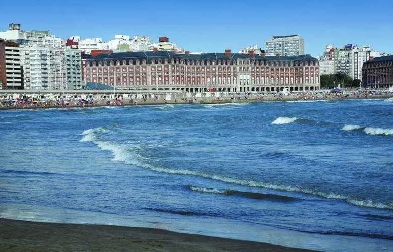 NH Gran Hotel Provincial - Beach - 6