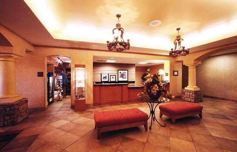 Hampton Inn & Suites Paso Robles - Hotel - 10