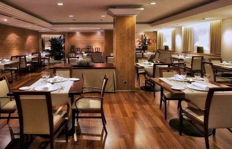 Aparthotel Mariano Cubi - Restaurant - 11