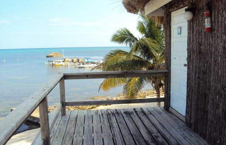 Exotic Caye Beach Resort - Terrace - 12