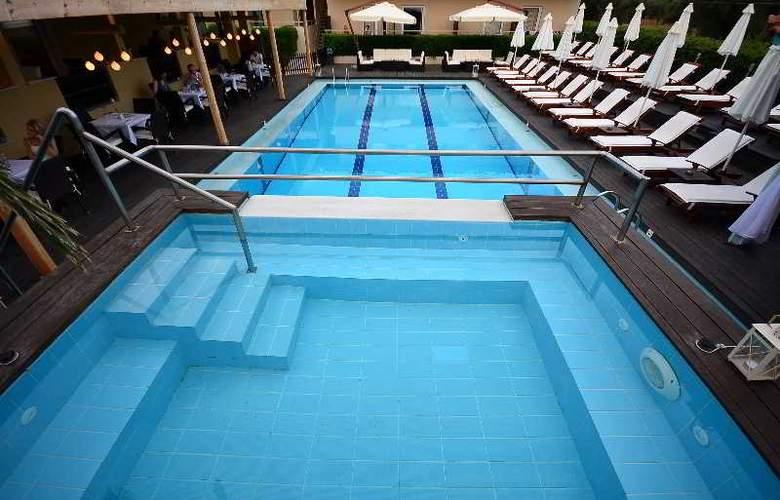 Agrilia - Pool - 18
