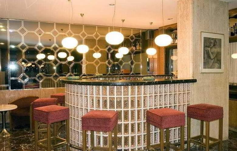 Best Hotel - Bar - 4