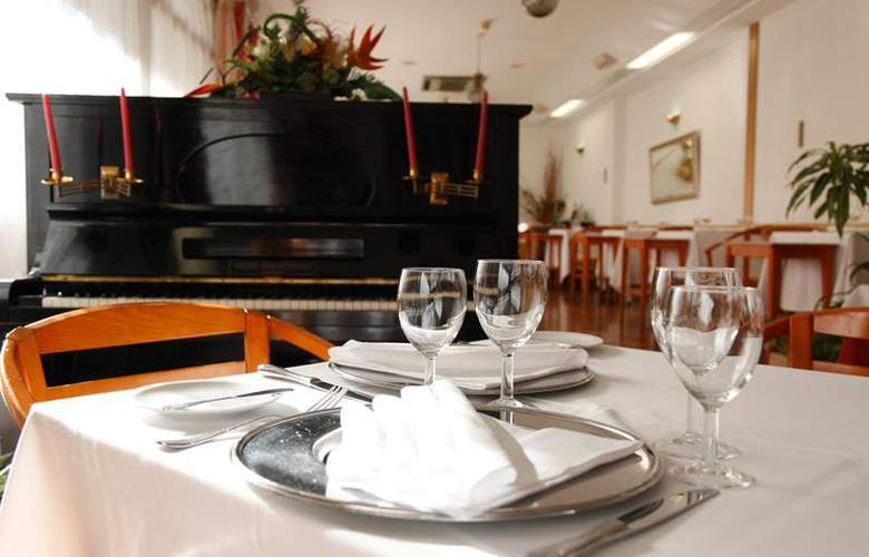 Rainha d'Amélia - Restaurant - 21