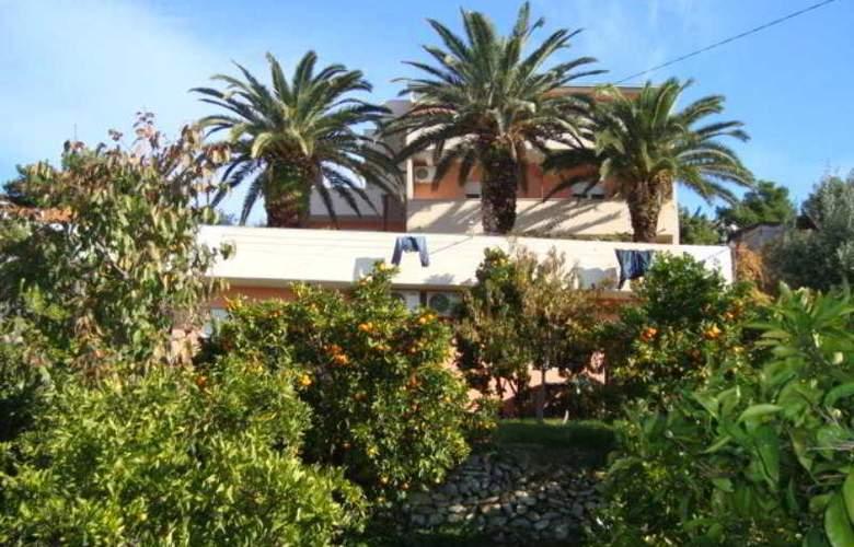 Villa Luketa - Hotel - 7