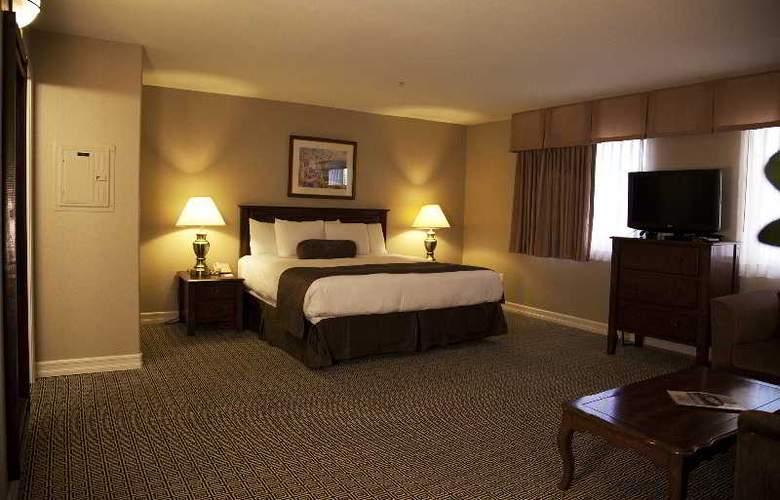 Tuscany Suites & Casino - Room - 3