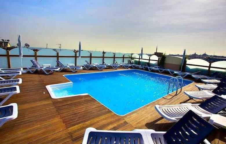 Istanbul Trend - Pool - 6