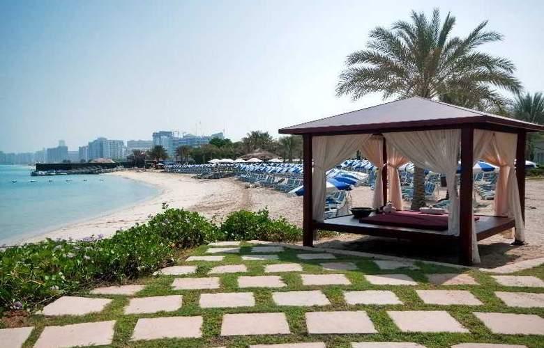 Radisson Blu Hotel & Resort, Abu Dhabi Corniche - Beach - 5