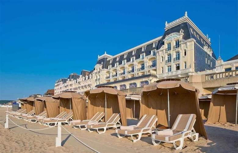 Le Grand Hôtel Cabourg - Hotel - 54