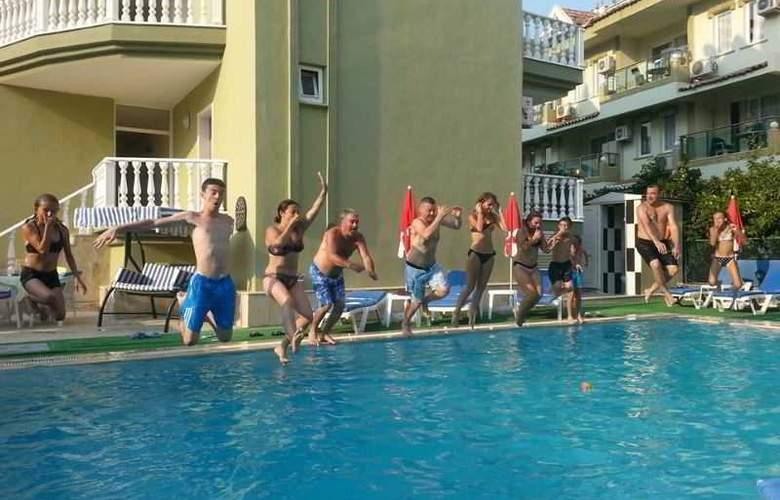 Club Ege Apart Hotel - Pool - 7