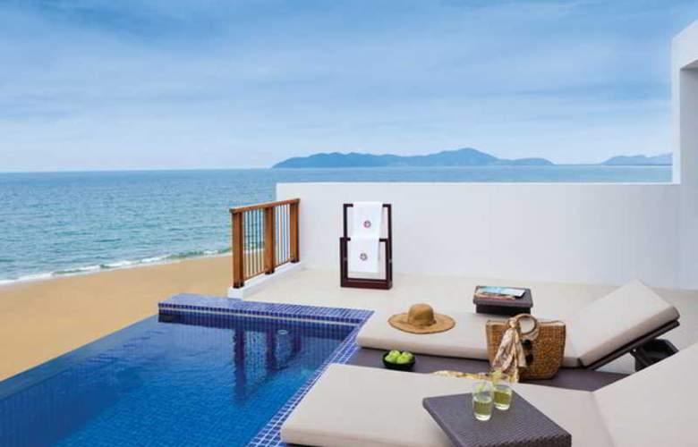 Angsana Lang Co Hotel & Resort - Terrace - 2