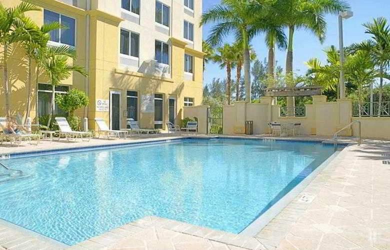 Hilton Garden Inn Ft. Lauderdale Airport-Cruise Port - Pool - 21