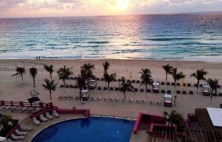 NYX Cancun - Pool - 7