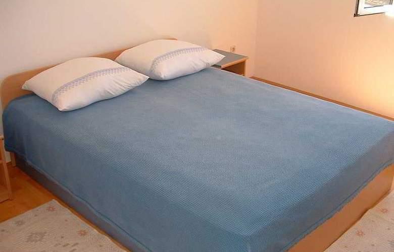 Apartmani Irena - Room - 3