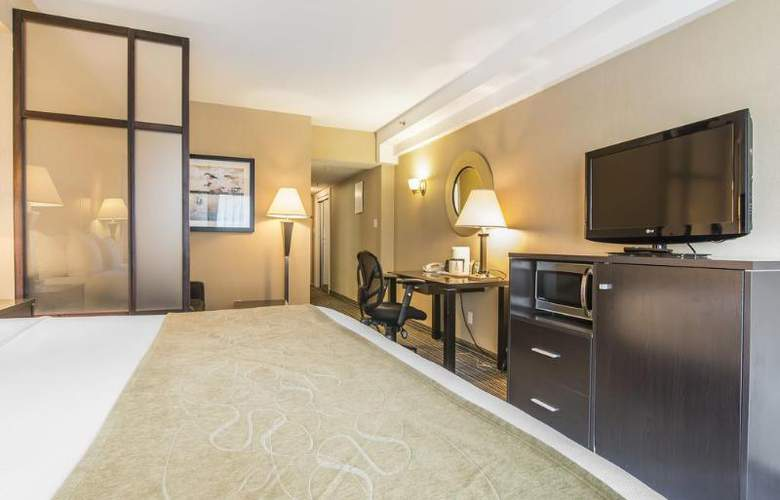 Comfort Suites Downtown - Room - 8