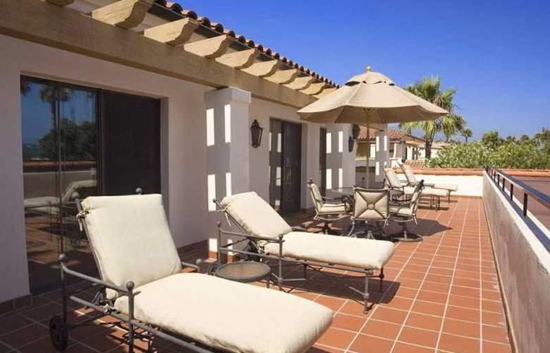 Hilton Santa Barbara Beachfront Resort - Terrace - 7
