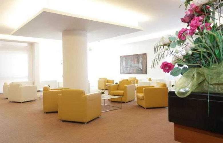 Best Western Continental - Hotel - 8