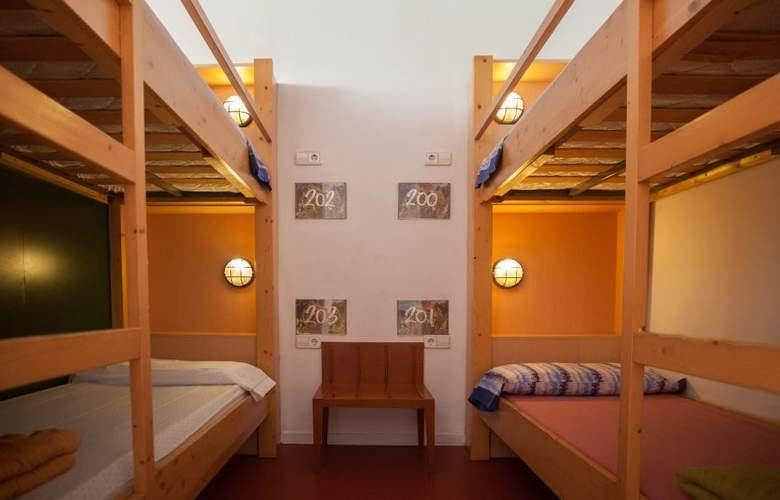 Inout Hostel - Hotel - 0