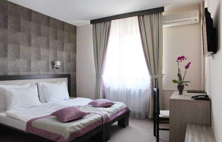 Vozarev - Room - 7