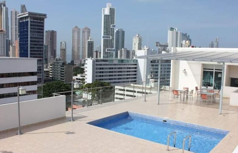Clarion Victoria Hotel & Suites Panama - Pool - 8