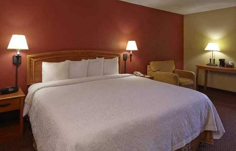 Hampton Inn Raleigh Midtown - Hotel - 1