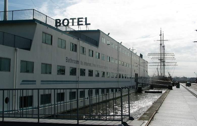 Botel - Hotel - 0