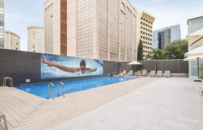 Ilunion Atrium - Pool - 3