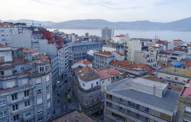 Vigo Plaza - Terrace - 17