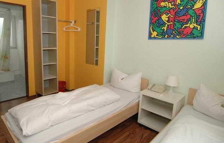 Meininger Hotel Cologne City Center - Room - 1