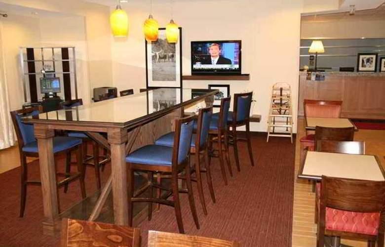 Hampton Inn Abilene - Hotel - 3