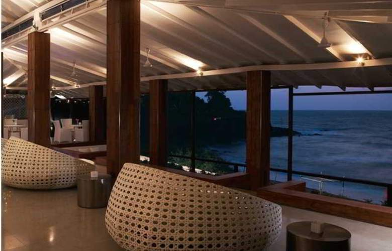 Vivanta by Taj - Fort Aguada, Goa - Bar - 5