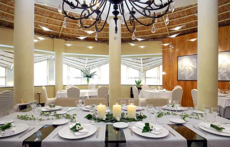Oliva Nova Beach & Golf Resort - Restaurant - 6