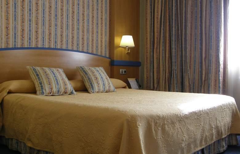 Gran Versalles - Room - 1