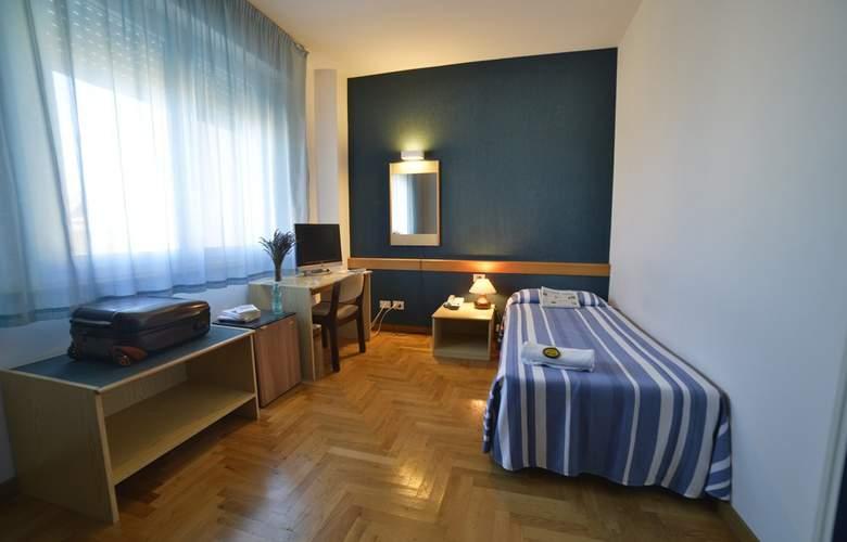 Mistral - Room - 1