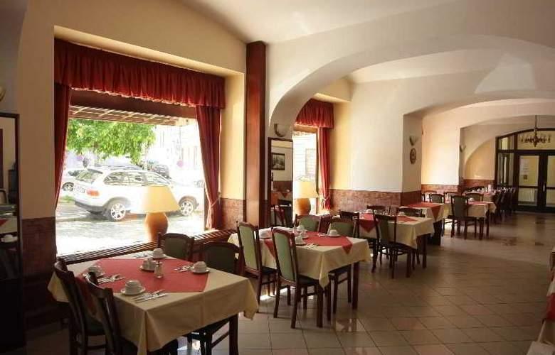 Dalimil - Restaurant - 10