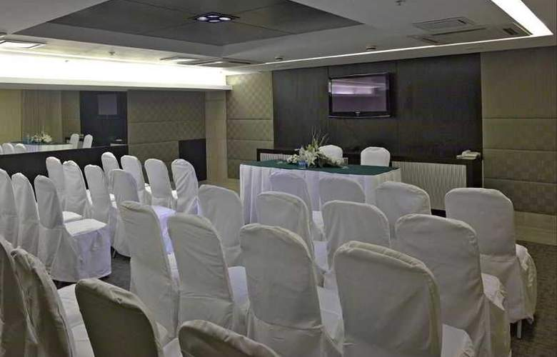 Country Inn & Suites By Carlson Gurgaon Sec 29 - Conference - 2